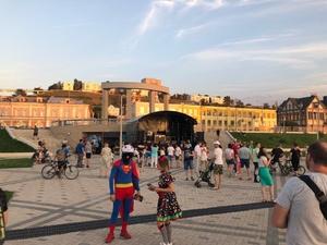 Молодежный фестиваль #ВсеСвои состоялся на обновленной Нижне-Волжской набережной