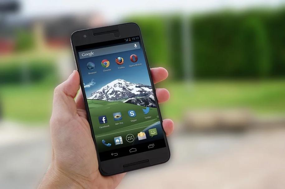 Специалисты назвали приложения, которые нельзя устанавливать на смартфон - фото 1