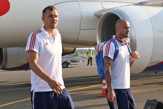 Сборная России по футболу прибыла на матч в Нижний Новгород - фото 2