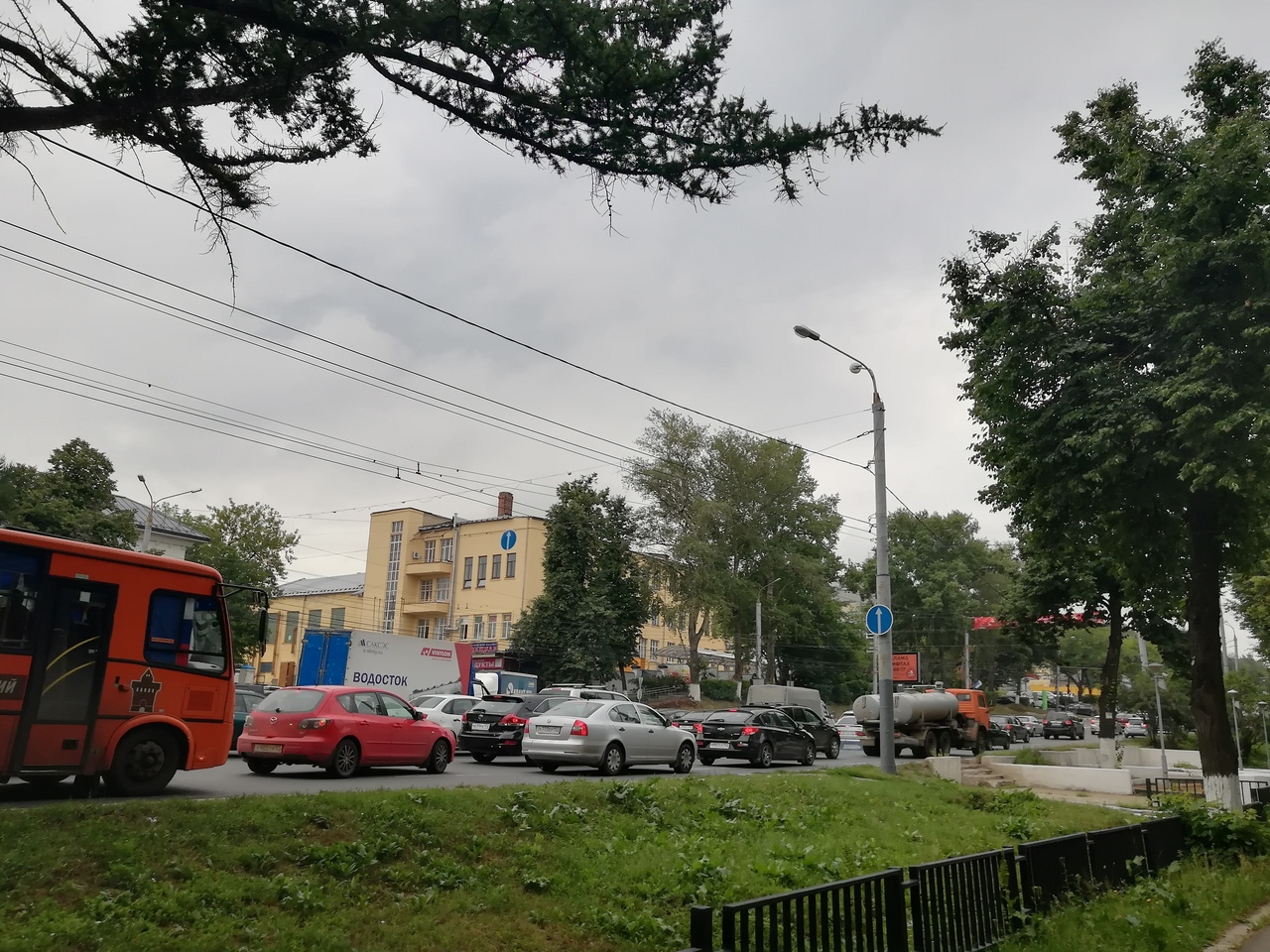 Движение транспорта поМызинскому мосту ограничено из-за ремонта