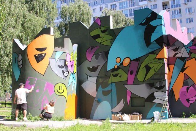 Художники украсили граффити-рисунками фасады АО «Теплоэнерго» - фото 2