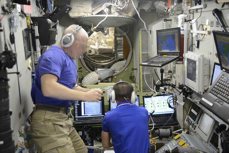 Туристов в космос из Нижегородской области будут запускать без скафандров - фото 1