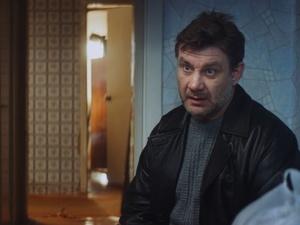 «Я понятия не имел, кто такая Монеточка», — Олег Шапков о съемках в клипе поп-звезды