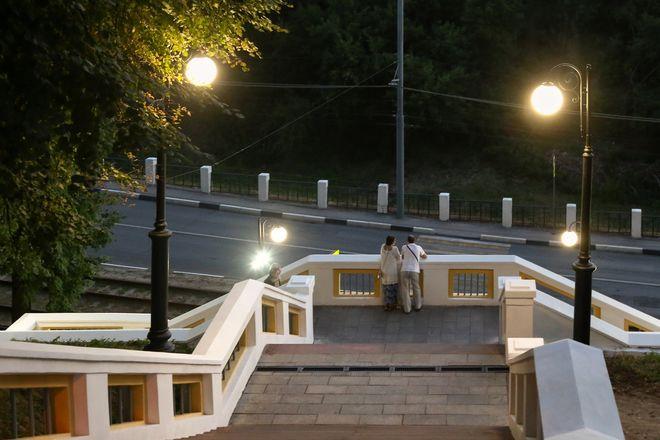 Театральную лестницу в Нижегородском районе оснастили художественной подсветкой - фото 3