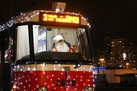 Трио новогодних трамваев вышло на нижегородские маршруты