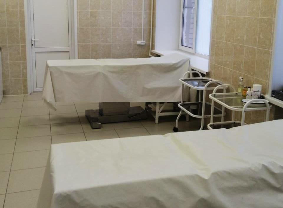 Новый лифт и мягкая мебель появились после капремонта в поликлинике № 1 Приокского района - фото 1