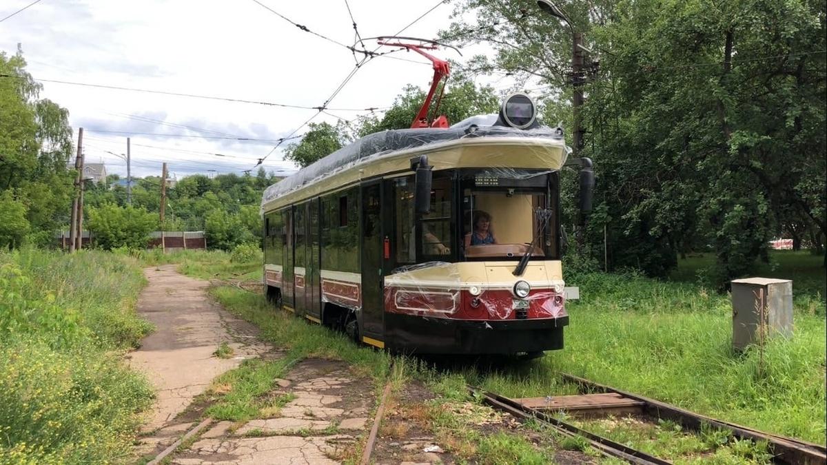 Ретро-трамвай совершил первый рейс в Нижнем Новгороде - фото 1