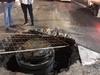 Соцсети: яма посреди проспекта Гагарина стала ловушкой для нескольких машин