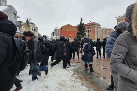 ОМОН перекрыл территорию на Большой Покровской из-за митинга