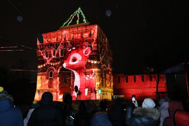 На Нижегородском кремле запустили красочную подсветку - фото 2