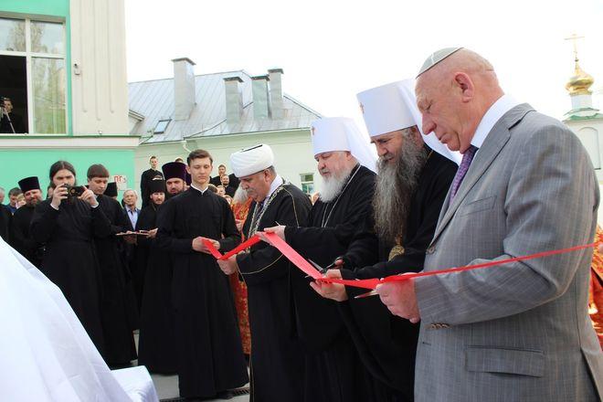 Памятник митрополиту Николаю появился в Нижнем Новгороде - фото 23