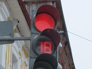 Школьник перебегал дорогу на красный свет и попал под автобус в Московском районе