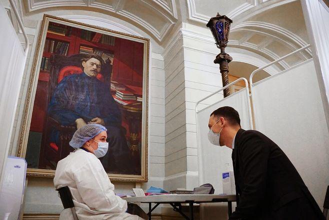 Пункт вакцинации от COVID-19 открылся в нижегородском театре драмы - фото 2