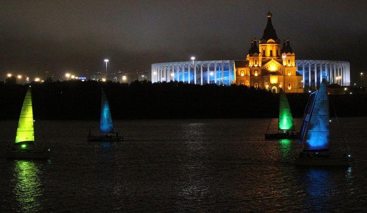 «Театр парусов» и 40-минутный фейерверк: яркое завершение Дня города в Нижнем Новгороде - фото 17