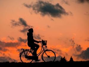 Почему бегать и кататься на велосипеде во время карантина опасно