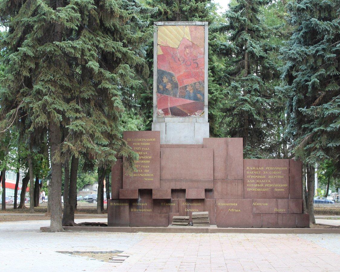 Не прошло и года: нижегородские скверы нужно благоустраивать заново - фото 38
